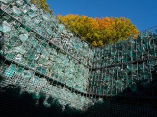 Gabion en blocs de verre brut
