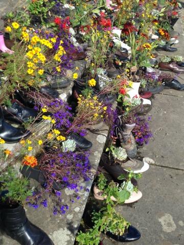 Fleurissement avec des chaussures