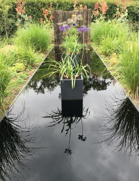miroirs trompe l 39 oeil jeux de miroirs au jardin. Black Bedroom Furniture Sets. Home Design Ideas