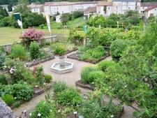 Rendez-vous au jardin médiéval. - Dignac - Juin 2016
